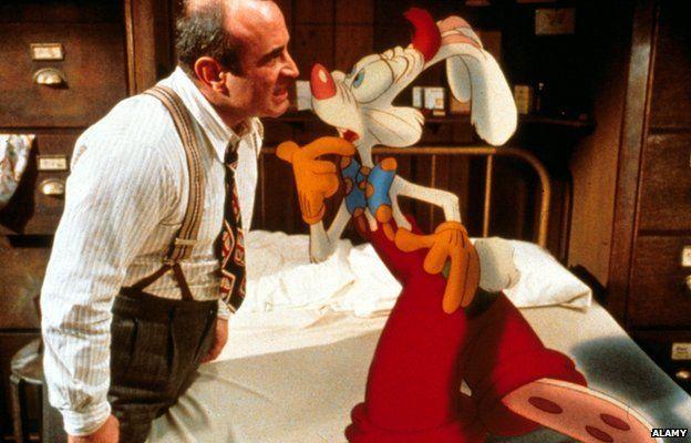 Bob Hoskins of 'Who Framed Roger Rabbit' dies of pneumonia at 71
