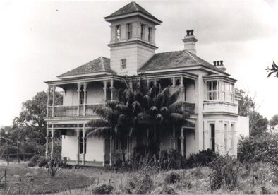 "Photo of ""Glendower"" in Constitution Road, Meadowbank, NSW in 1963. Factsheet on other demolished houses in this area: http://www.ryde.nsw.gov.au/_Documents/History/Demolished+Houses.pdf"