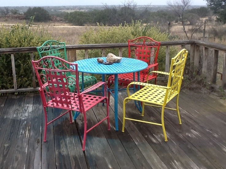 Spray Paint Outdoor Furniture For A Fiesta Look!