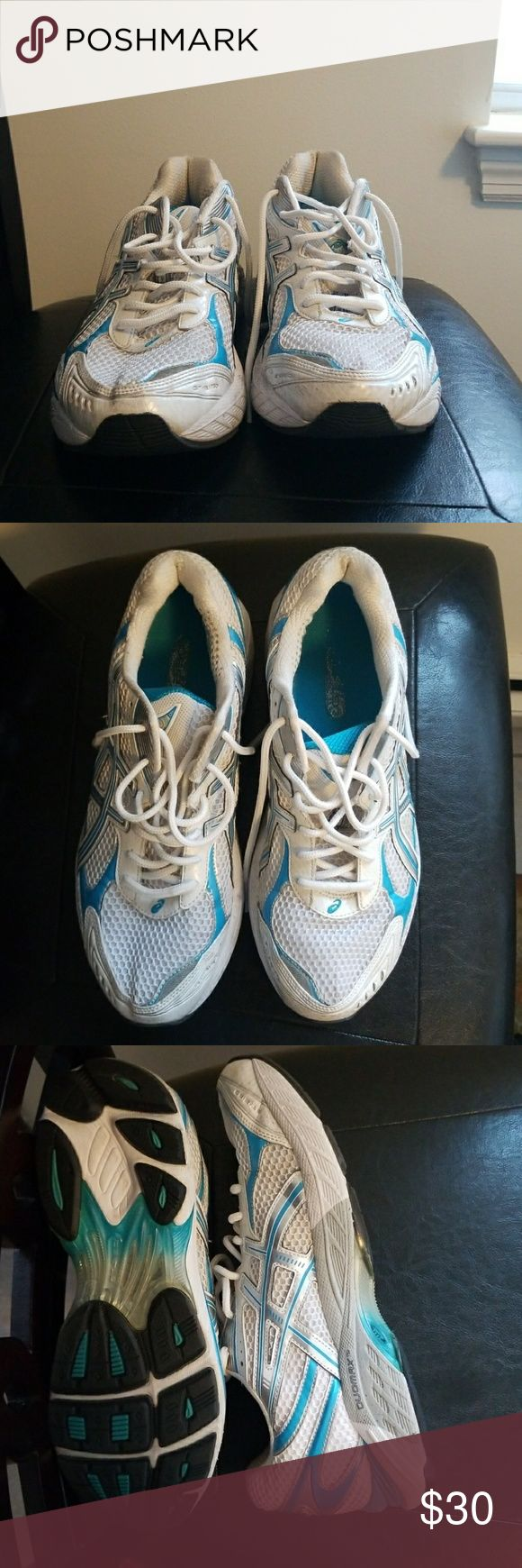 Oasics athletic shoes Moderate condition Oasis Shoes Athletic Shoes