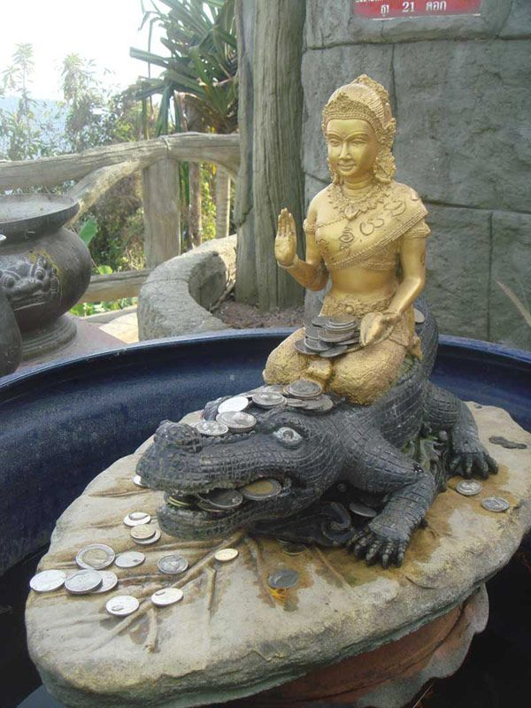 The iconographic figure of 39 nang kwak 39 a spirit who is for Does buddha bring good luck