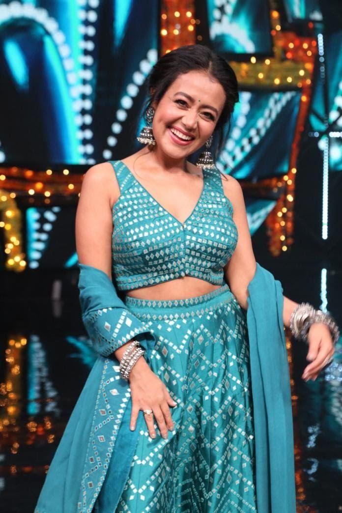 Pin By Ayesha Bhatia On Indian Dresses In 2020 Neha Kakkar Dresses Designer Party Wear Dresses Neha Kakkar