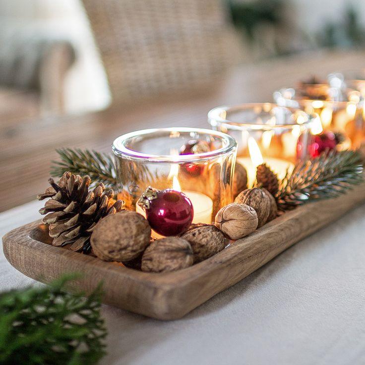 Holzschale weihnachtlich dekoriert