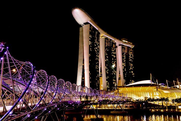 Фотография спирали Bridge Сингапура автор Хенрик Elstrup на 500px