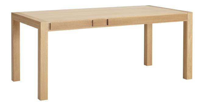 Hana spisebord i eik. Dimensjoner:  L200 x W80 x H70cm. Kr. 7390,-