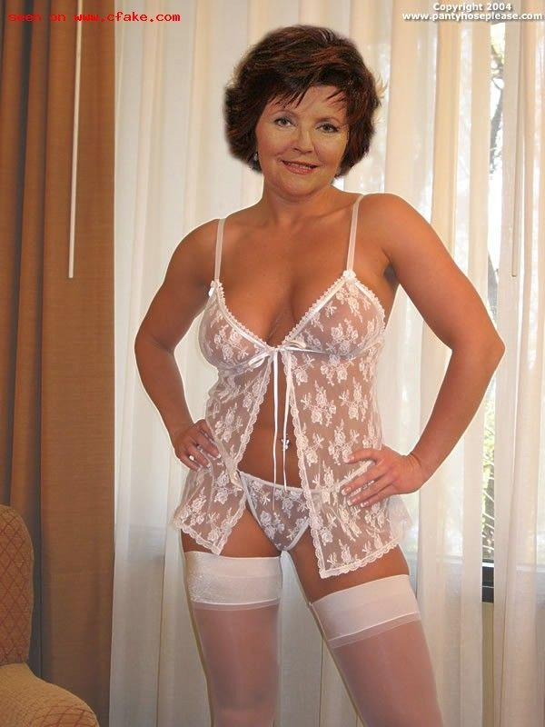 Jane Seymour Lingerie 104