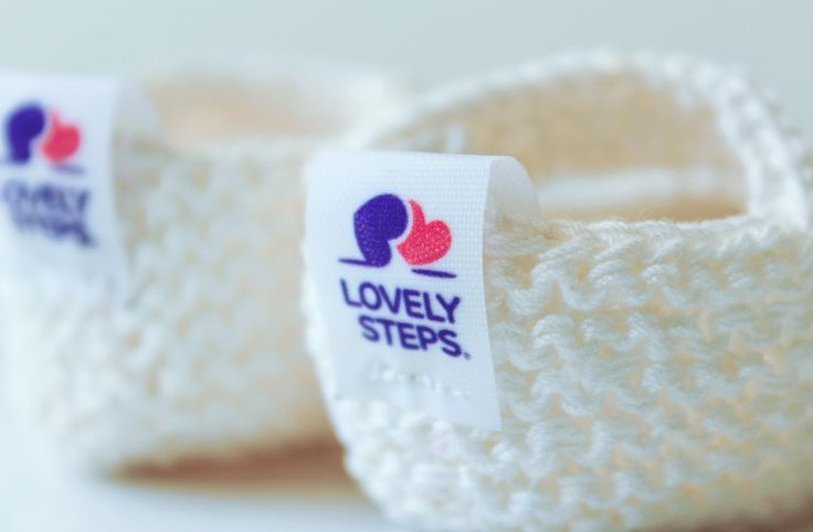다음 @Behance 프로젝트 확인: \u201cKnitting shoes - Branding\u201d https://www.behance.net/gallery/46226119/Knitting-shoes-Branding
