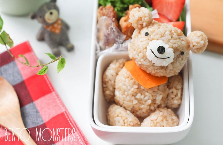 Mother Creates Adorable Bento Monster Lunches for Her Sons (25 pictures)