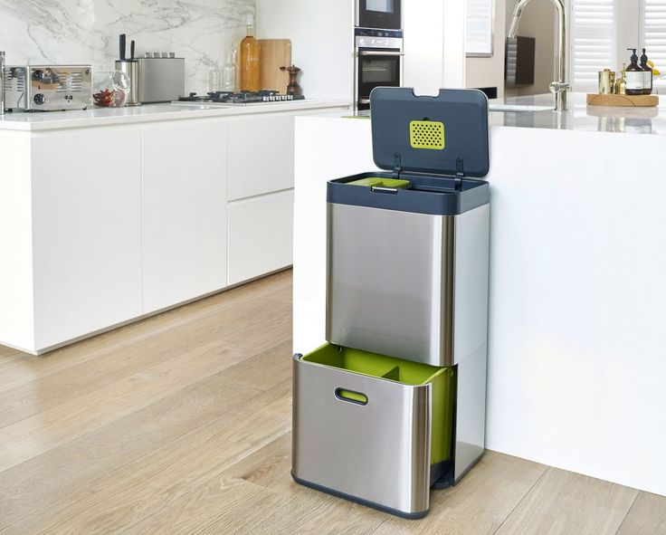 I adore this bin and it would look amazing in our kitchen instead of a waste bag hanging up!