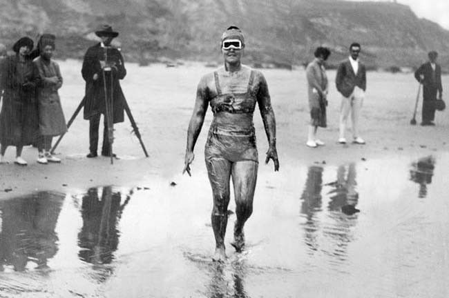 On Aug. 6, 1926, Gertrude Ederle became the first woman to swim the English Channel. She also beat the previous record set by the five men who swam it before her. Their best time was 16 hours 33 minutes. Gertrude swam it in 14 hours and 31 minutes. She swam 35 miles in rough seas. Her record wasn't beaten till 1950 by another American, Florence Chadwick, who swam the Channel in 13 hours 20 minutes during relatively calm seas.