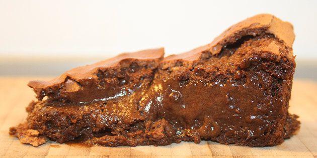 Et stykke dejlig blødende chokolade bagt uden mel