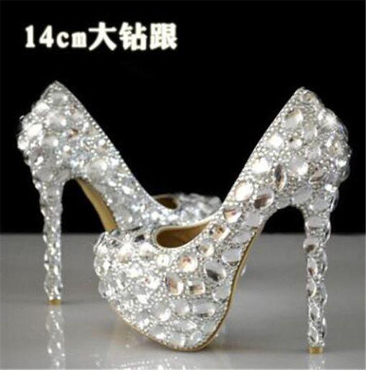 Купить товар26 стиль горячих женщин туфли на высоком каблуке горный хрусталь 8 см 11 см 14 см свадебные туфли с красной подошвой высокие каблуки женская обувь серебро белый красный 34   41 в категории Туфлина AliExpress.  26 Стиль Горячие женщины насосы горный хрусталь 8 см 11 см 14 см 16 см свадебные  Обувь красной нижней высоких ка