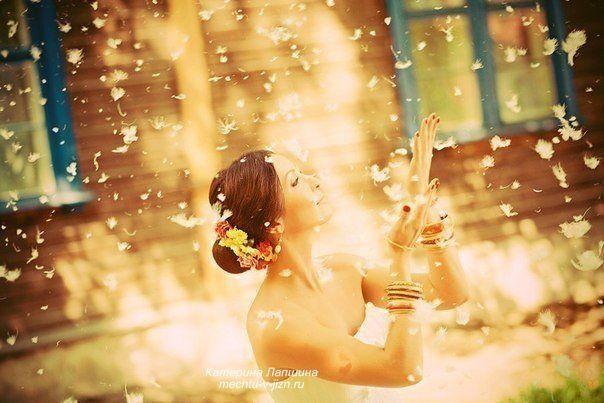 Любовь к себе или эгоизм?  Главные отношения в жизни человека – это его отношения с самим собой. И то, как строит человек свои взаимоотношения с окружающими, в каждом конкретном случае в точности отражает одну из граней его взаимоотношений с самим собой. Поэтому человек, который не любит себя, не может любить и других. Ведь только любящий себя человек в отличие от эгоиста живет в мире и согласии с собой, живет в гармонии с собой и счастлив. Эгоист же всегда несчастлив, даже если сам себе в…