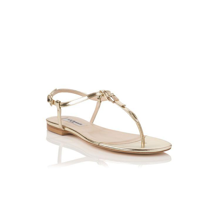 shopping de zapatos de tacón y su equivalente plano para el día de tu boda: sandalias planas de L.K. Bennett