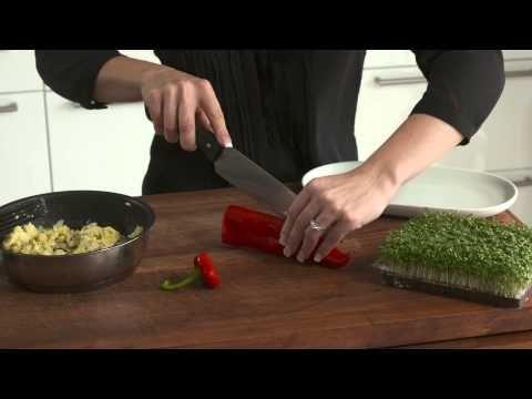 Peberfrugt med røræg - nem morgenmad uden brød - YouTube