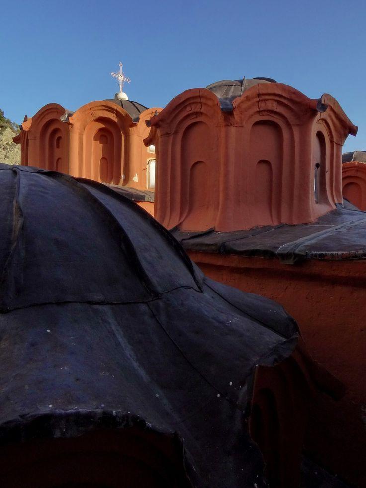 Domes through the eyes of dekanski