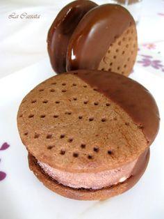 Ingredienti per circa 16 porzioni (di Luca Montersino): Per la base biscotto: 250 gr. burro 200 gr. zucchero a velo (per me senza glutine...