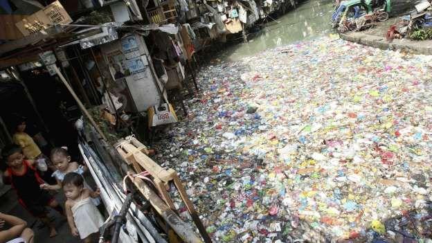 Un río altamente contaminado en Manila (Filipinas), en 2011. (EFE Val Handumon) - EFE