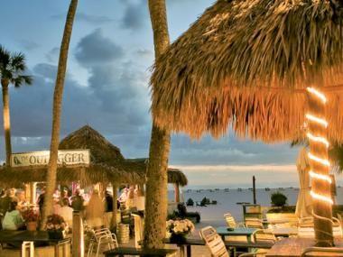 Dining & Nightlife - Fort Myers Beach & Sanibel Island Florida - Restaurants & Bars - Fort Myers & Sanibel