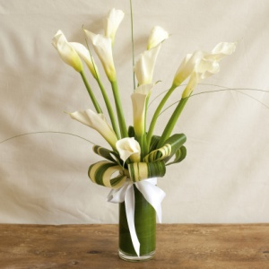 12 Best Images About Tall White Calla Lily Arrangements On Pinterest White Roses Vase And The