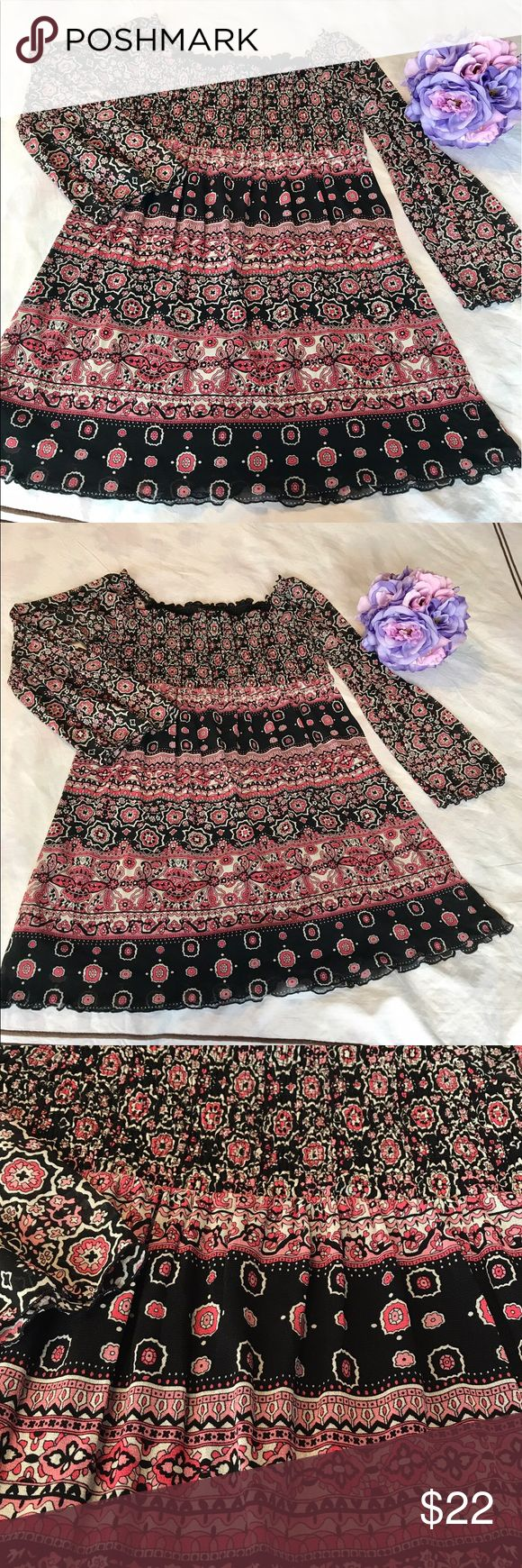 INC ELASTIC ON TOP PRINTED TUNIC L Super fun and beautiful tunic with elastic on the chest area, sheer sleeves and flows from chest down. Lined and fabric is 100% Nylon. Pairs very well with jeans and leggings INC International Concepts Tops Tunics