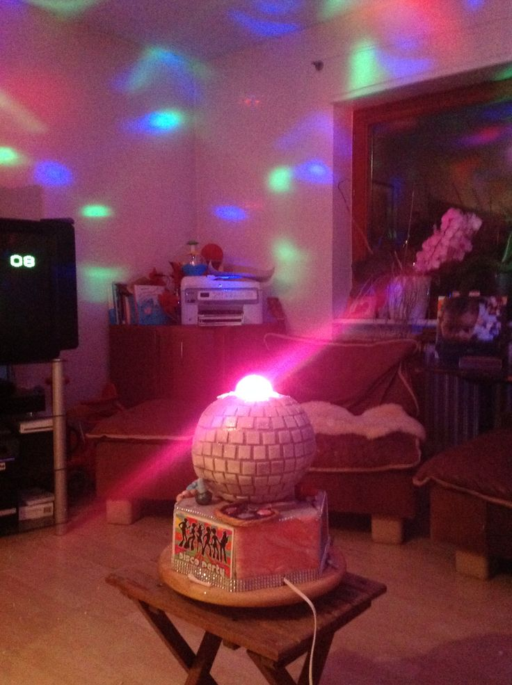 Disko-Torte Disco Ball cake