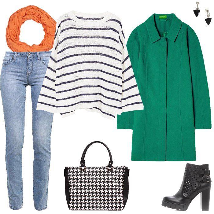 Тельняшка,светлые джинсы, оранжевый шарф, черно-белая сумка, черные ботильоны
