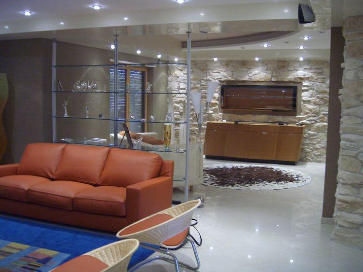 Inclinazione _ Madia informale design con ante battenti e cassetti estraibili.  www.langolohomeliving.com