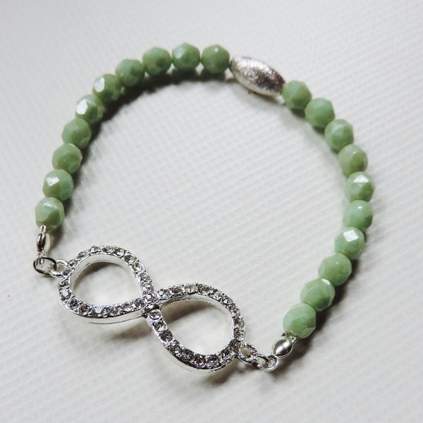 *Ilonas* Armband Infinity Strass von IlonasSchmuckstuebchen auf http://de.dawanda.com/product/70050923-Ilonas-Armband-Infinity-Strass