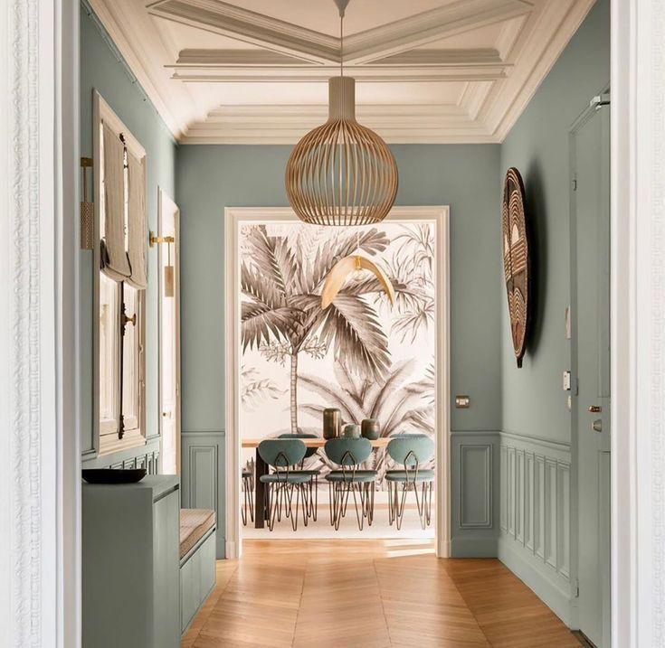 Flur Und Eingang Gestalten Inneneinrichtung Planen Fur Eingangsbereich Mit Farbe In 2020 Home Home Decor House Design