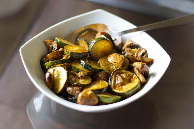 Balsamic Roasted Zucchini & Mushrooms   via http://pinterest.com/carriesexpktchn/
