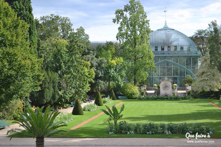 Serres d'Auteuil près de Paris, these greenhouses are in danger they want to extend Roland Garros here!!!