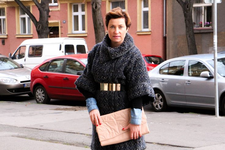 WINTER IN GREY COAT http://www.outfitmania.cz/blog/winter-in-grey-coat.html