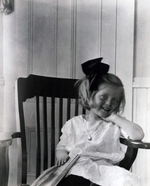 "Ruth Elizabeth ""Bette"" Davis born 1908-1989 http://pinterest.com/pin/143059725633552430/repin/"
