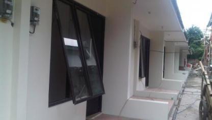 Sewa / Kontrak Rumah Cluster Mungil Minimalis Lokasi Strategis di Jaktim