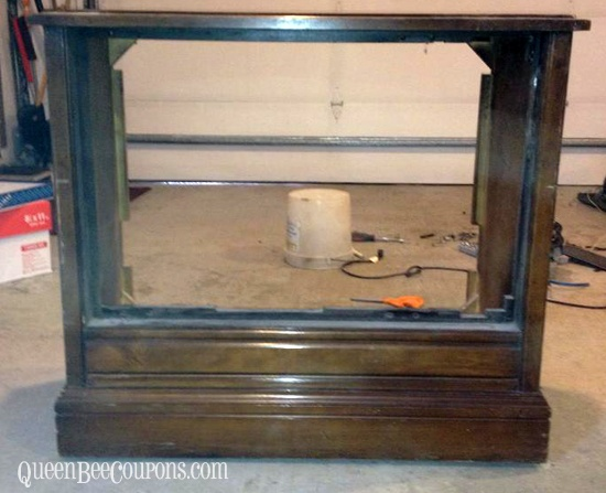 Turn an old TV into a dog bed {reclaim, reuse, recycle}