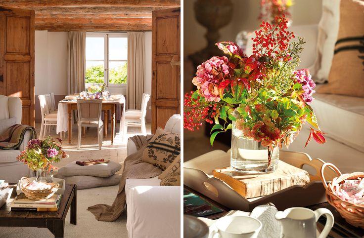 Montaje de salón rústico y jarrón con flores