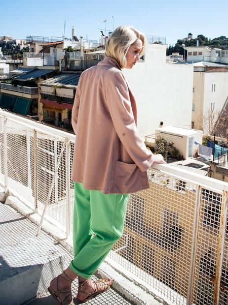 Transeasonal city look / elegant cotton jacket and pants