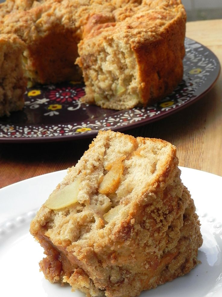 Fresh Apple Coffee Cake | The cake is so easy to make and rises up nicely. It is sweet and moist from the apples and the crumble topping is wonderful. Perfect for an afternoon coffee break and delightful for breakfast.