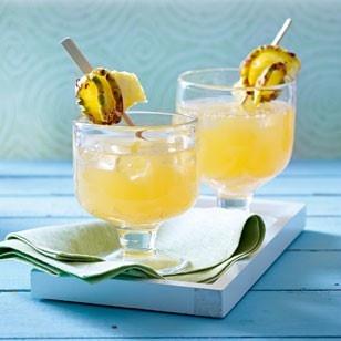 Ananas-Rum-Punsch