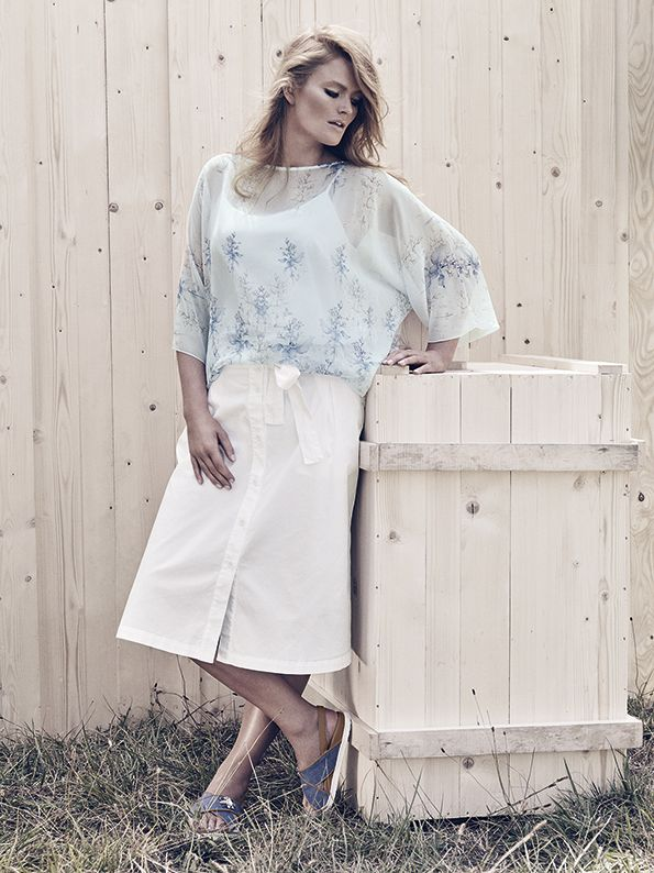 Straight-cut georgette shirt tunic with placed herbarium print, scoop neck, kimono sleeves, removable slip top with thin shoulder straps.