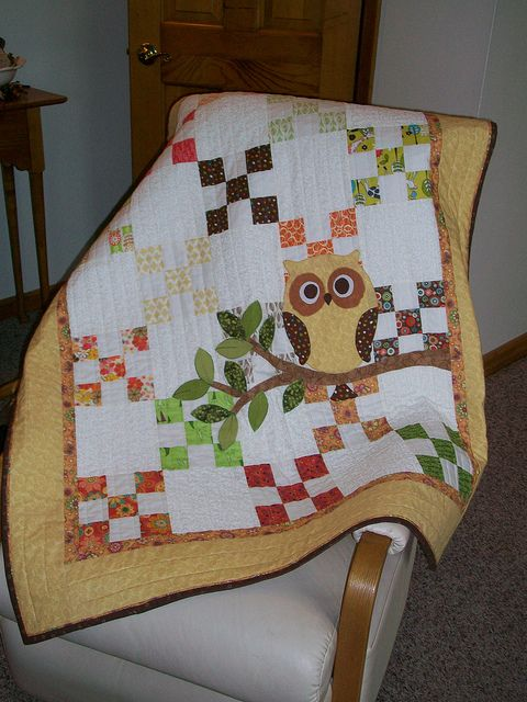 Remember Whooo Loves You100_0705.jpg | Flickr - Photo Sharing! Love the applique on top of piecing