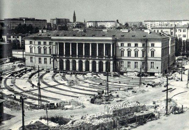 Przesunięcie Pałacu Lubomirskich