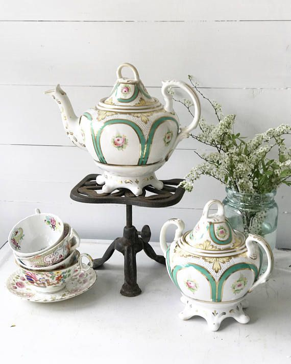 A stunning victorian teapot and matching sugar bowl