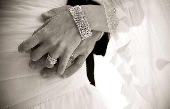 عريس يطلق عروسته بعد 15 دقيقة فقط من ليلة الزفاف ويفر هاربا ونيابة المرج تأمر بضبطه وإحضاره وتكشف التفاصيل وقعت بالأمس واقعة فري Lovely Ring Engagement Rings