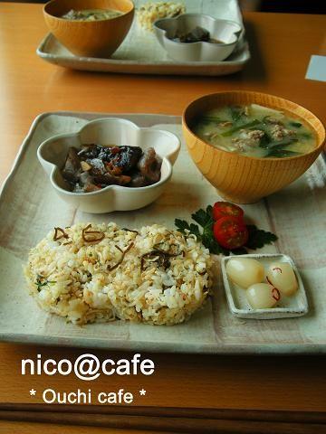 ☆和プレート☆ジャコ塩昆布ご飯&肉団子入りにんにく味噌スープ : お家カフェごっこ nico@cafe
