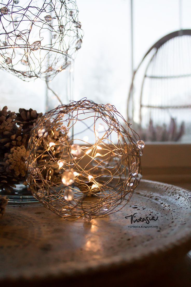 Valoisa rautalankapallo jouluun #joulu #jouluaskartelu #rautalanka #diy #christmas #ironwire #light
