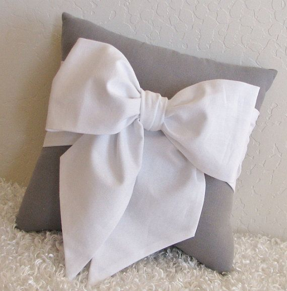 1000+ images about Accent/Throw Pillows on Pinterest Chevron bow, Accent pillows and Red bows