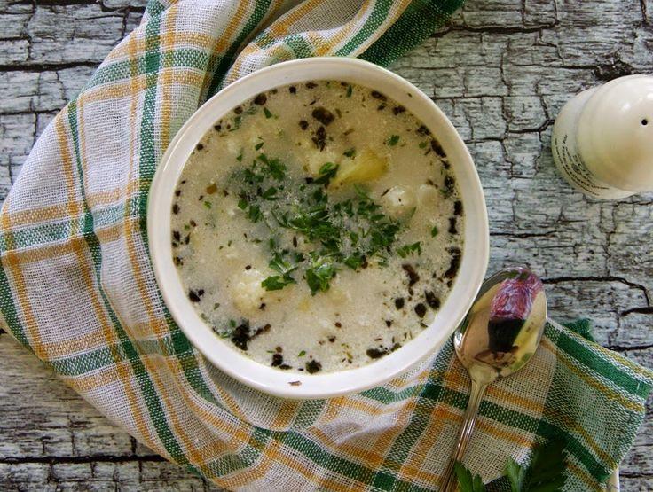 Zupa kalafiorowa z mleczkiem kokosowym i kaszą jaglaną