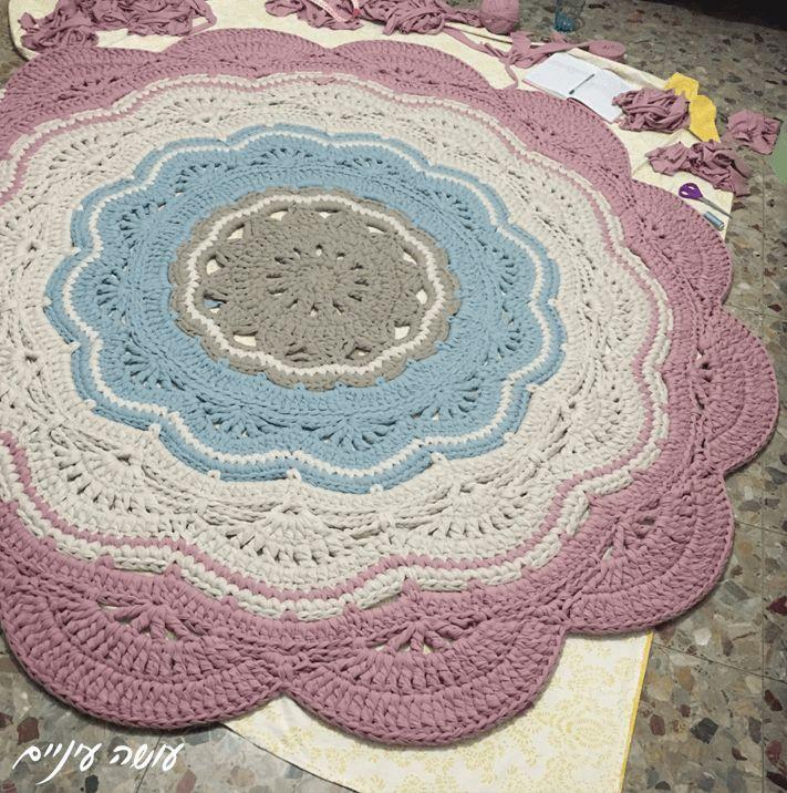 My giant - crochet doily rug pattern - by Osa Einaim || ענקי - שטיח דויילי מחוטי טריקו - עושה עיניים